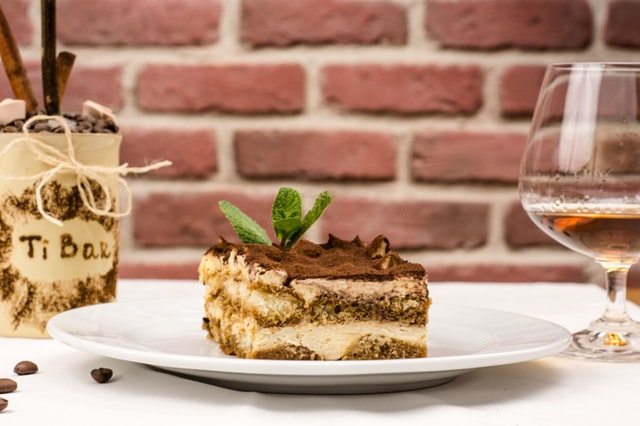 Visit Giolitti Deli for all of your favorite Valentine's Day desserts!