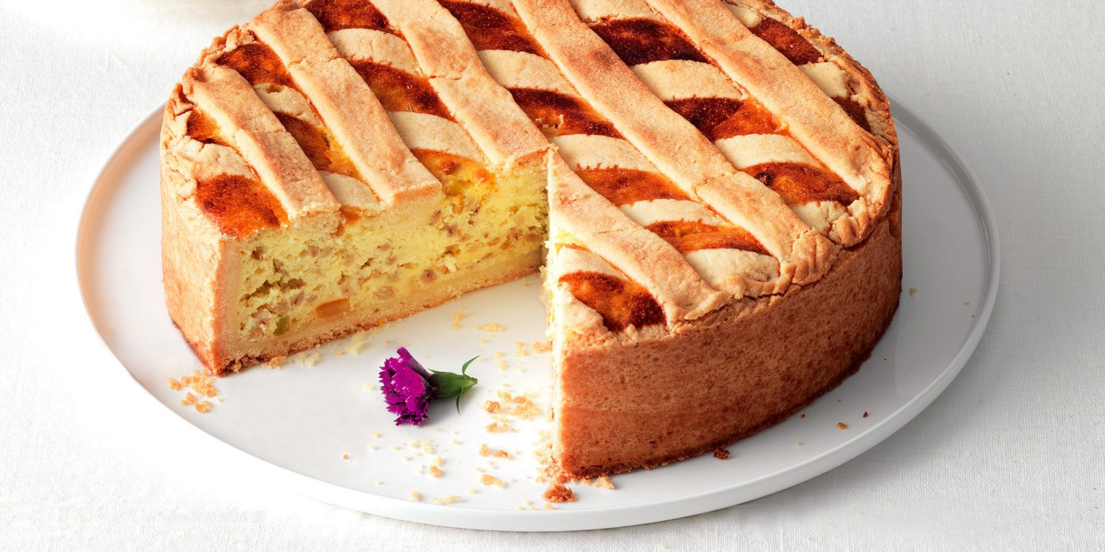 Check out the featured recipe of the week: Pastiera Napoletana! Photo via: www.lacucinaitaliana.it